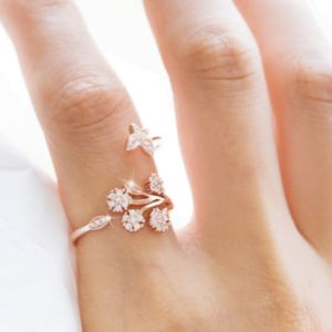 Butterfly Micro-inlaid Opening Ladies Index Finger Ring